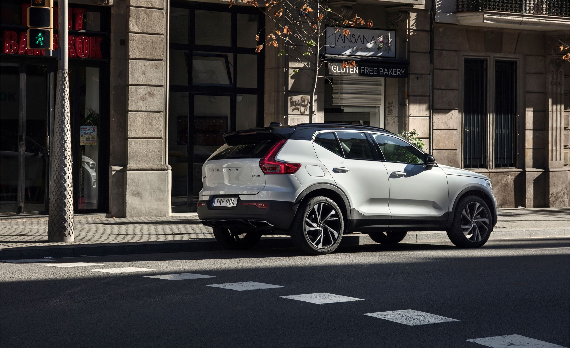 volvo xc40 reviews | volvo xc40 price, photos, and specs | car and