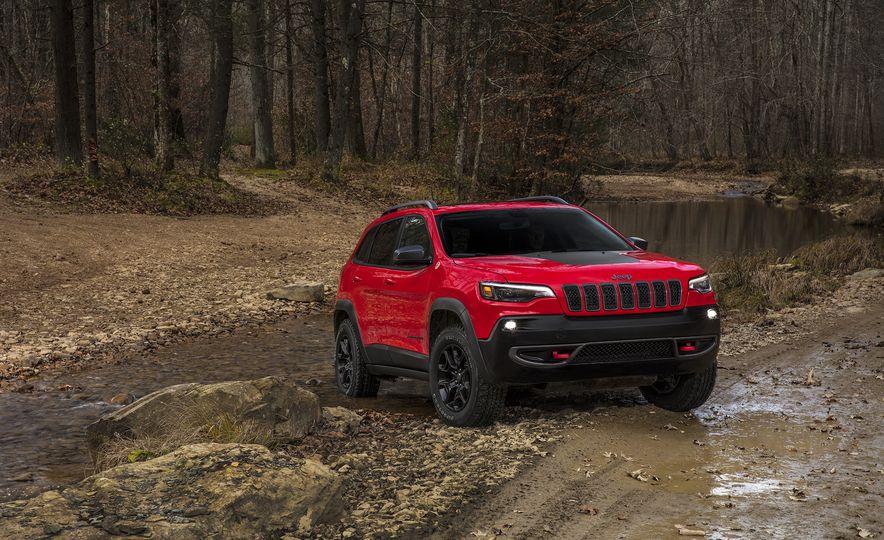 2019 Jeep Cherokee - Slide 3