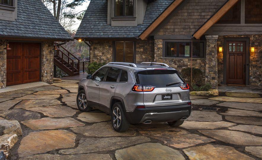 2019 Jeep Cherokee - Slide 2