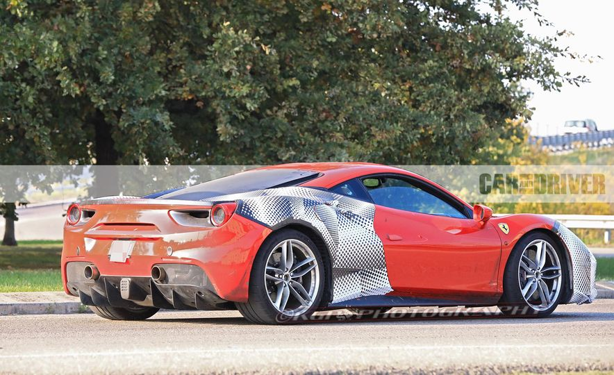 2019 Ferrari 488GTO (spy photo) - Slide 7