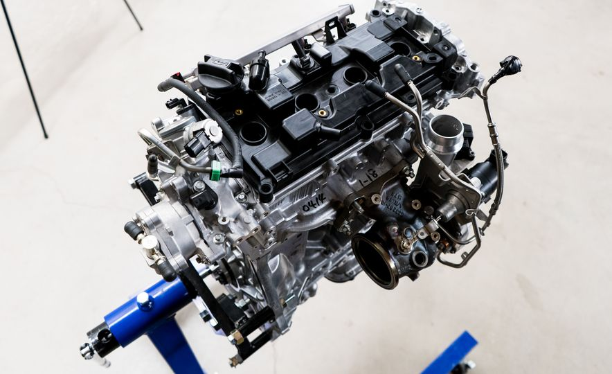 Under Pressure: The Science Behind Infiniti's Variable-Compression-Ratio Engine - Slide 9