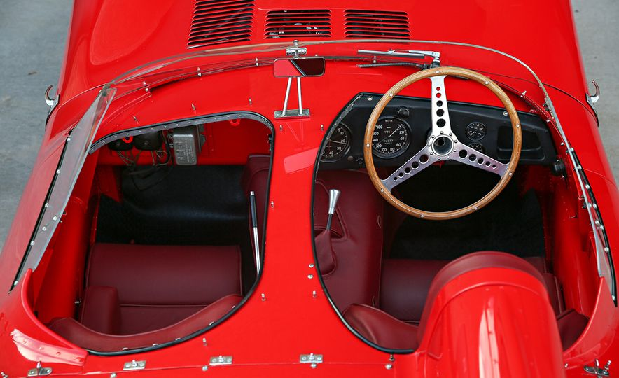 1956 Jaguar D-Type - Slide 14