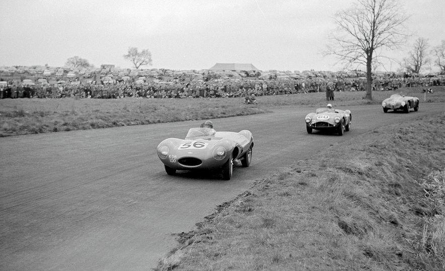 1956 Jaguar D-Type - Slide 23