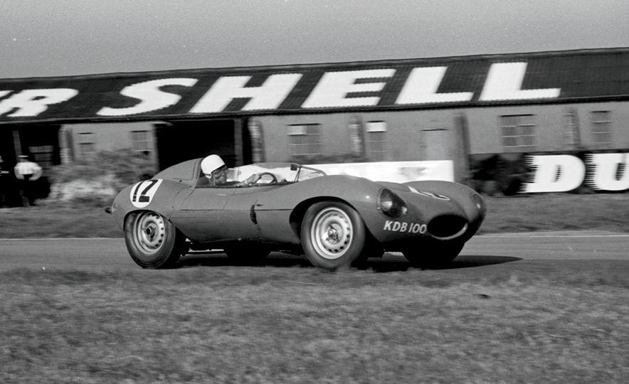 1956 Jaguar D-Type - Slide 24