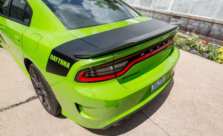 2017 Dodge Charger - Slide 20