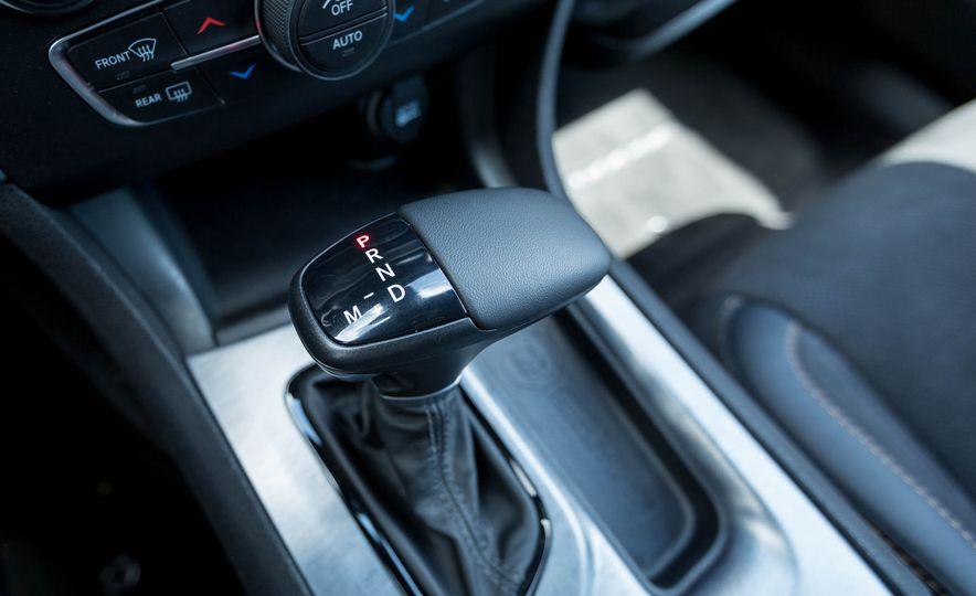 2017 Dodge Charger - Slide 41