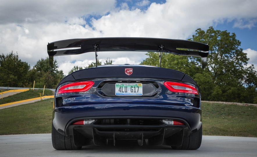 2017 Dodge Viper ACR - Slide 21