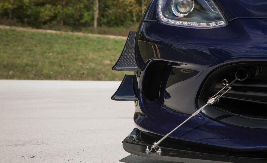 2017 Dodge Viper ACR - Slide 23