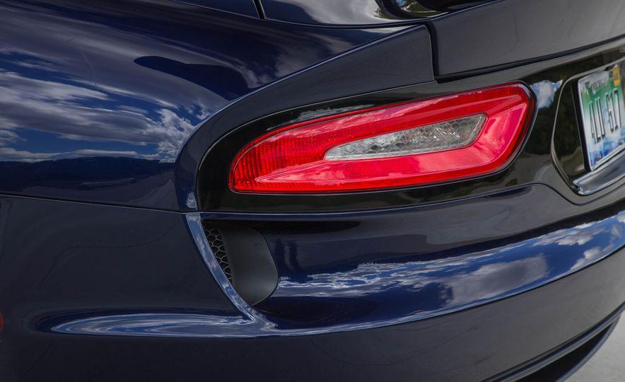 2017 Dodge Viper ACR - Slide 34