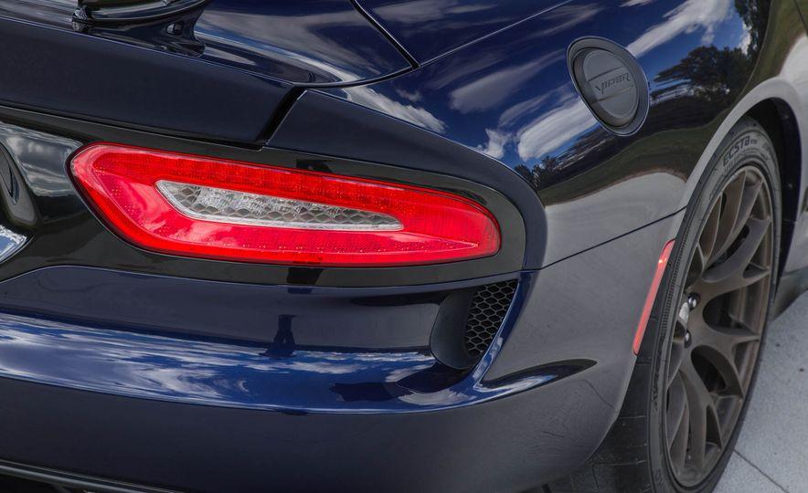 2017 Dodge Viper ACR - Slide 35