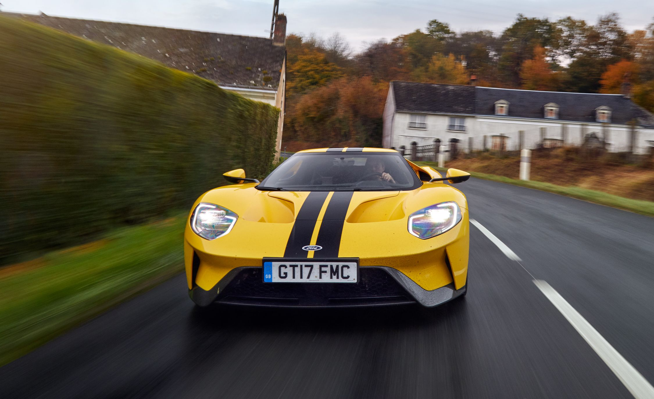 Ford GT Reviews Ford GT Price Photos And Specs Car And Driver - Gb sports cars zero
