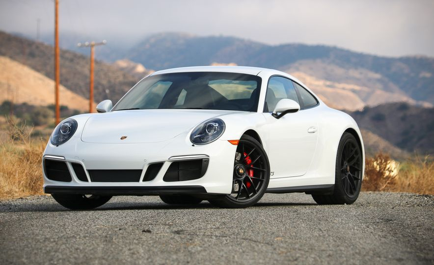 2017 Porsche 911 Carrera 4 GTS manual - Slide 16
