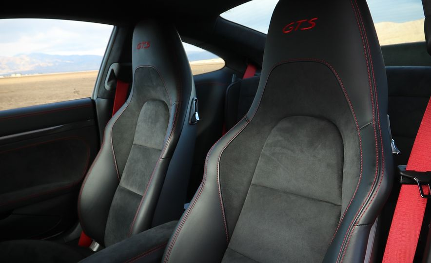 2017 Porsche 911 Carrera 4 GTS manual - Slide 53