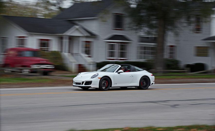 2017 Porsche 911 Targa 4 GTS Manual - Slide 1