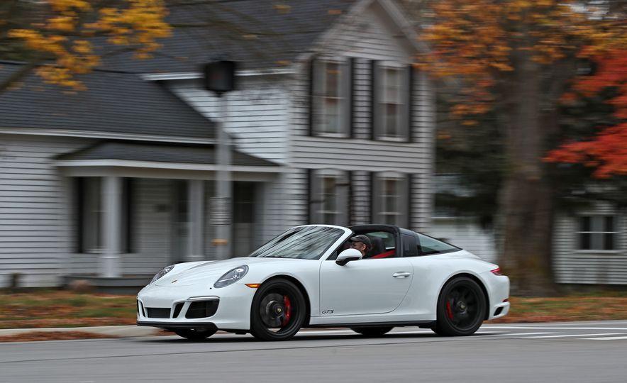 2017 Porsche 911 Targa 4 GTS Manual - Slide 3