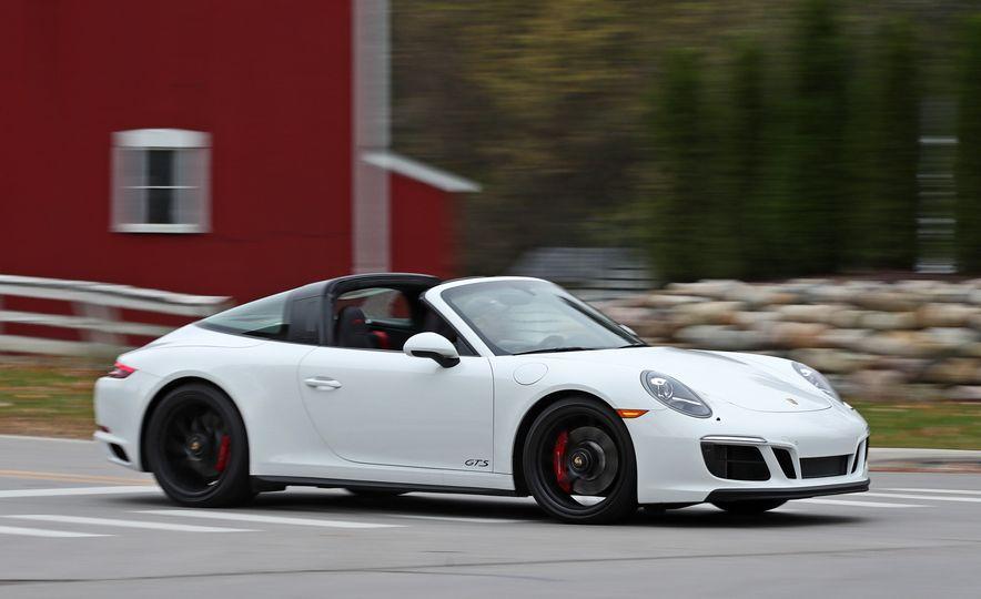 2017 Porsche 911 Targa 4 GTS Manual - Slide 7