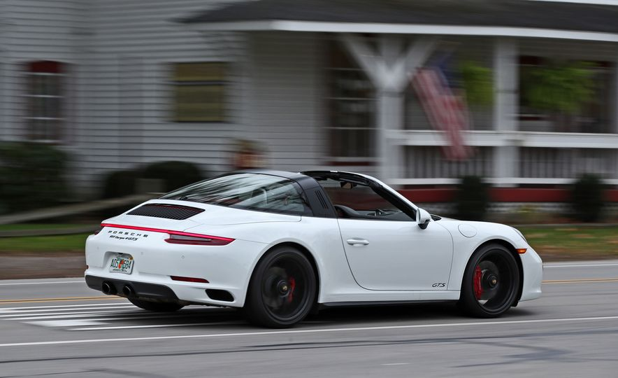 2017 Porsche 911 Targa 4 GTS Manual - Slide 6