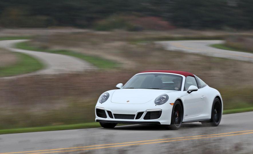 2017 Porsche 911 Targa 4 GTS Manual - Slide 8