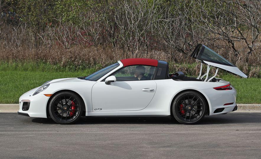 2017 Porsche 911 Targa 4 GTS Manual - Slide 25