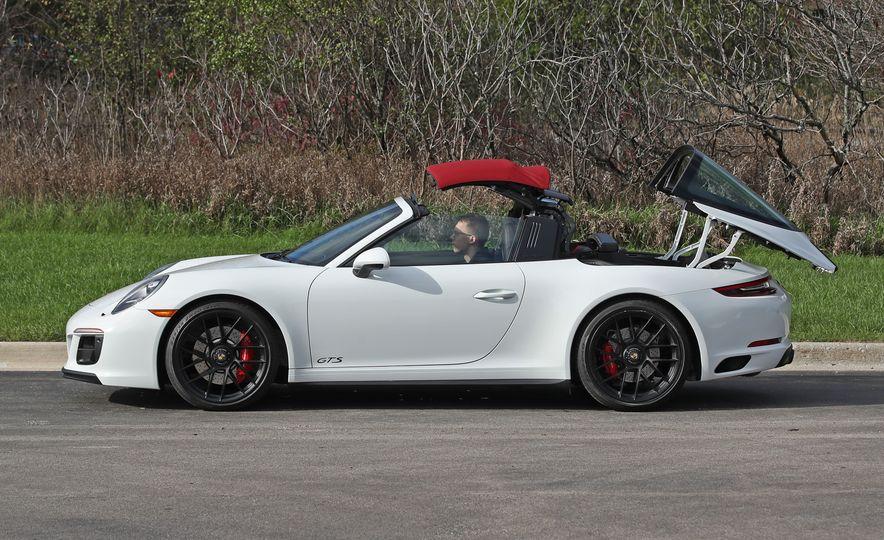 2017 Porsche 911 Targa 4 GTS Manual - Slide 26