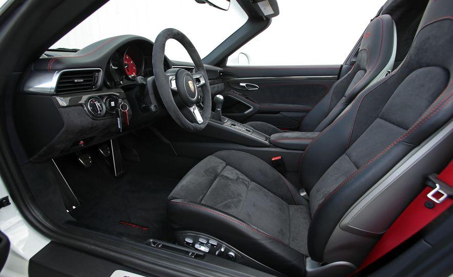 2017 Porsche 911 Targa 4 GTS Manual - Slide 50