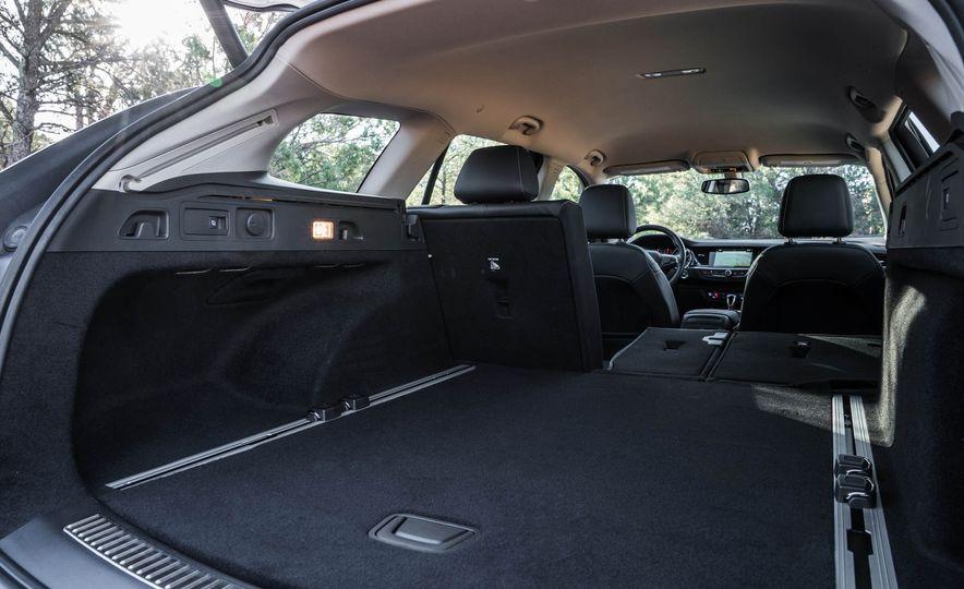 2018 Buick Regal TourX - Slide 45