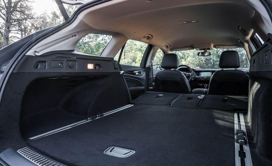 2018 Buick Regal TourX - Slide 46
