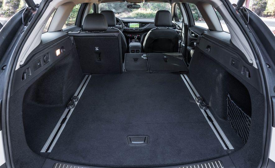 2018 Buick Regal TourX - Slide 47