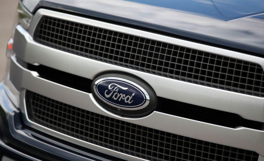 2018 Ford F-150 Platinum - Slide 18