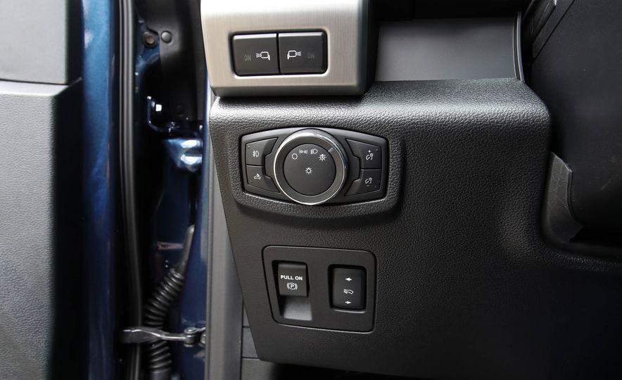 2018 Ford F-150 Platinum - Slide 35