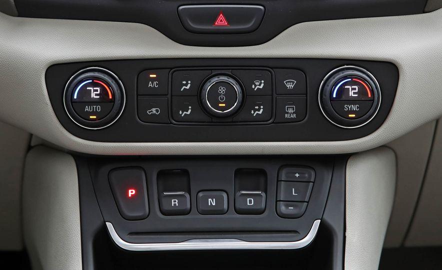 2018 GMC Terrain 2.0T AWD - Slide 41