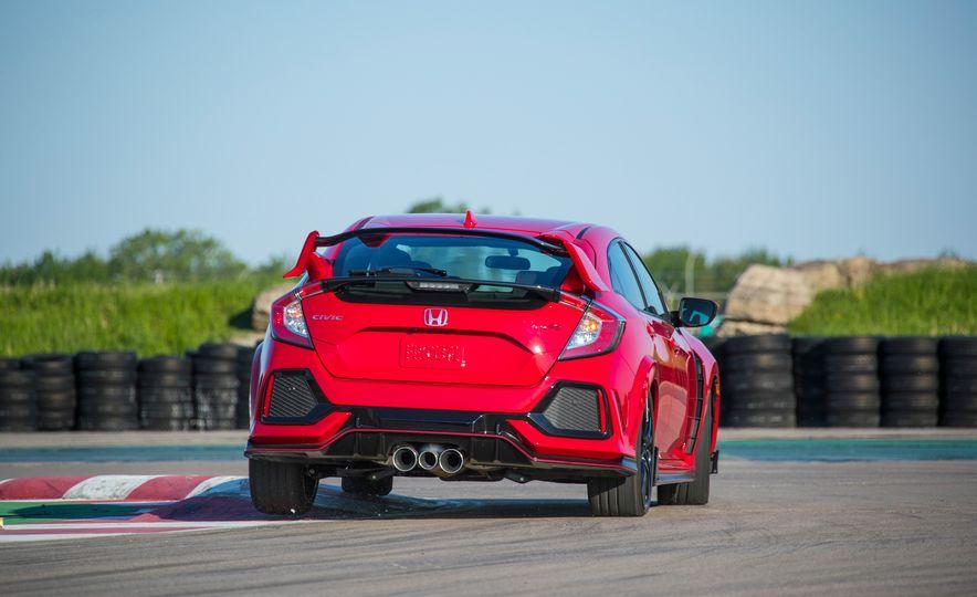 2018 Honda Civic Si sedan, Civic Sport, and Civic Type R - Slide 18