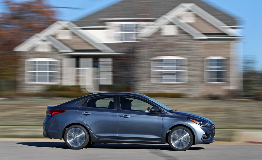 2018 Hyundai Accent Limited - Slide 4