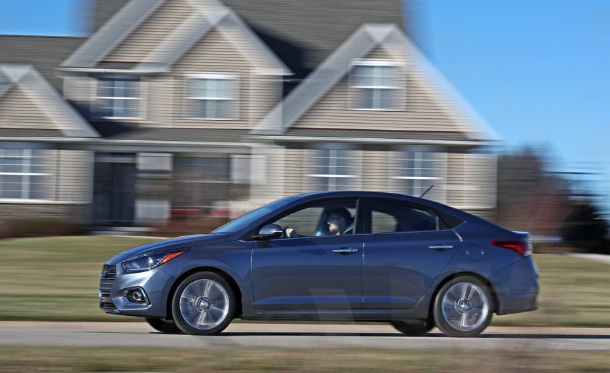 2018 Hyundai Accent Limited - Slide 10