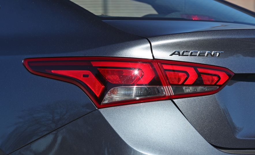 2018 Hyundai Accent Limited - Slide 27