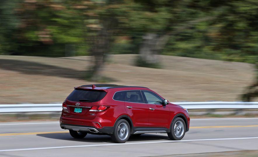 2018 Hyundai Santa Fe Limited Ultimate AWD - Slide 17