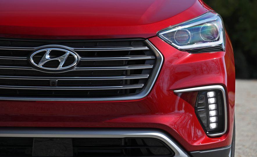 2018 Hyundai Santa Fe Limited Ultimate AWD - Slide 33