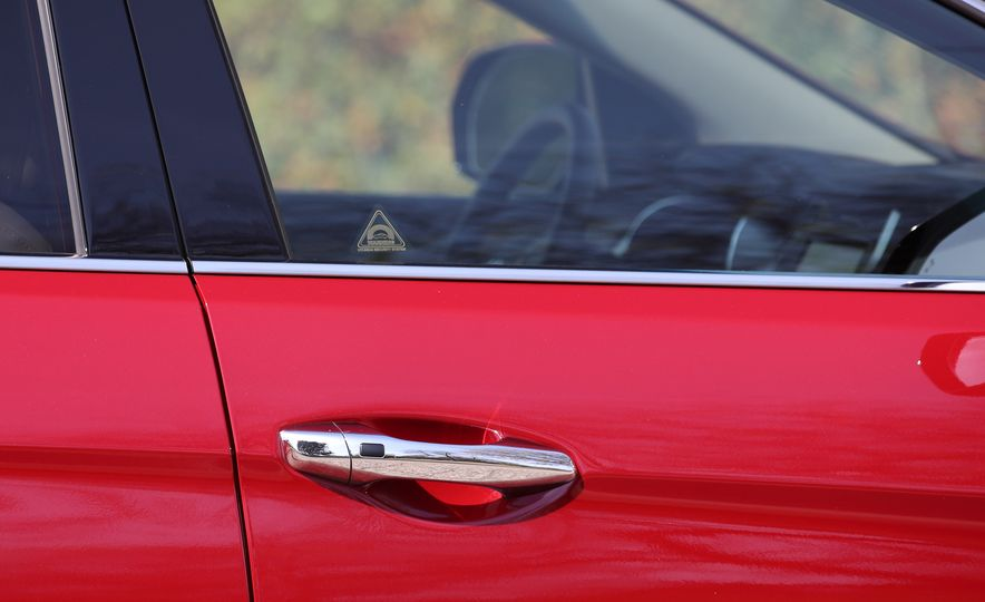 2018 Hyundai Santa Fe Limited Ultimate AWD - Slide 39