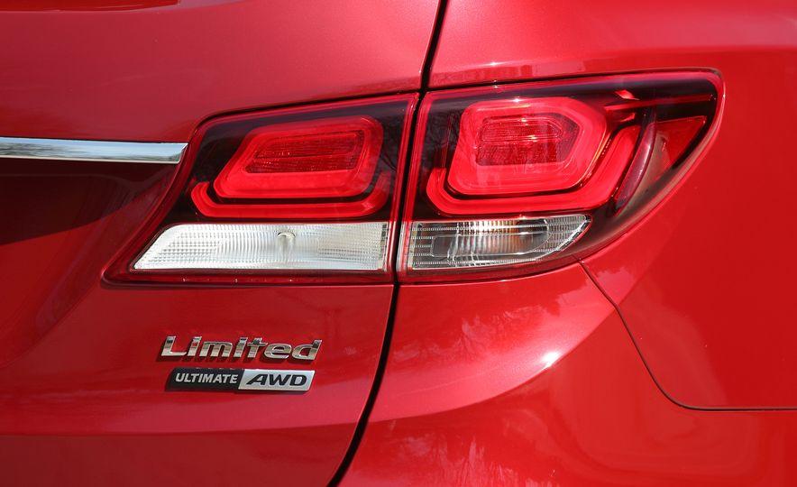2018 Hyundai Santa Fe Limited Ultimate AWD - Slide 41