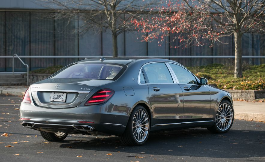 2018 Mercedes-Maybach S560 4Matic - Slide 21