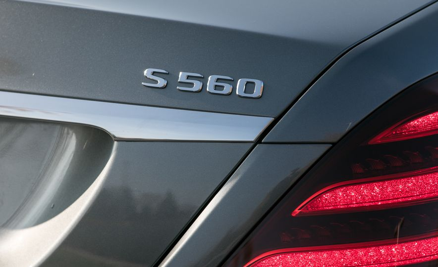 2018 Mercedes-Maybach S560 4Matic - Slide 43