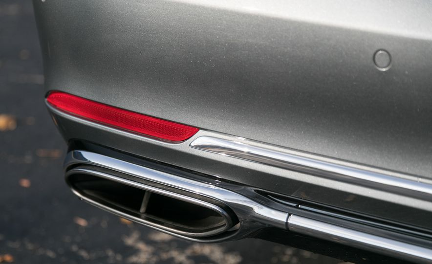 2018 Mercedes-Maybach S560 4Matic - Slide 46