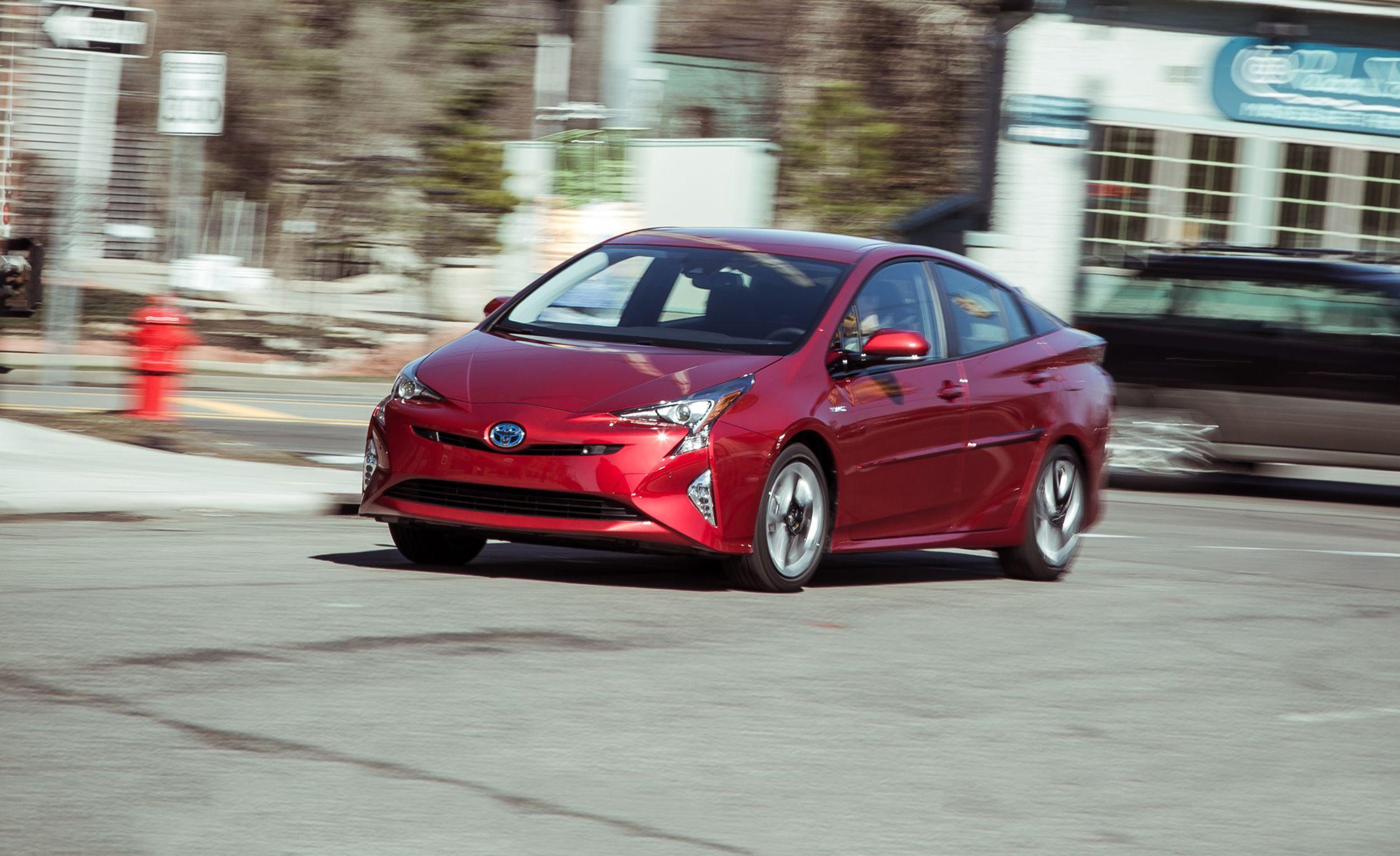 Toyota Prius Reviews   Toyota Prius Price, Photos, and Specs   Car ...