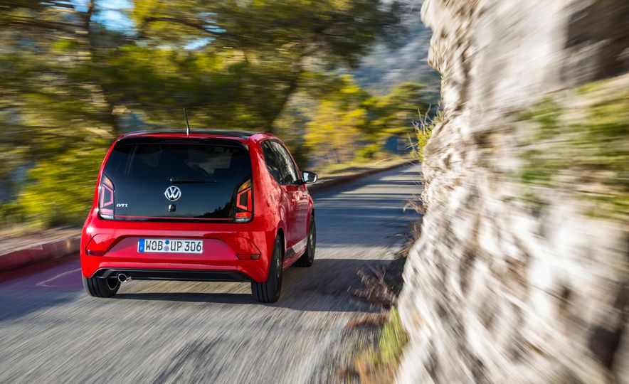 2018 Volkswagen Up! GTI (euro-spec) - Slide 3