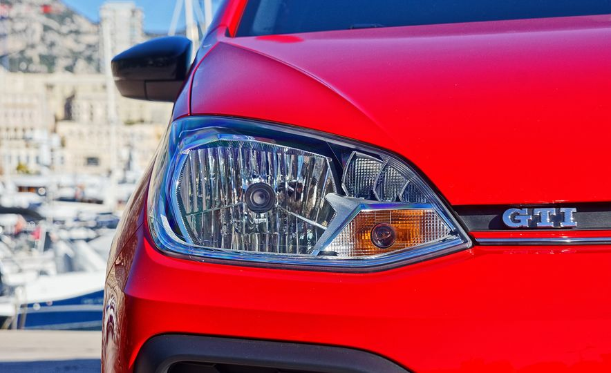2018 Volkswagen Up! GTI (euro-spec) - Slide 11