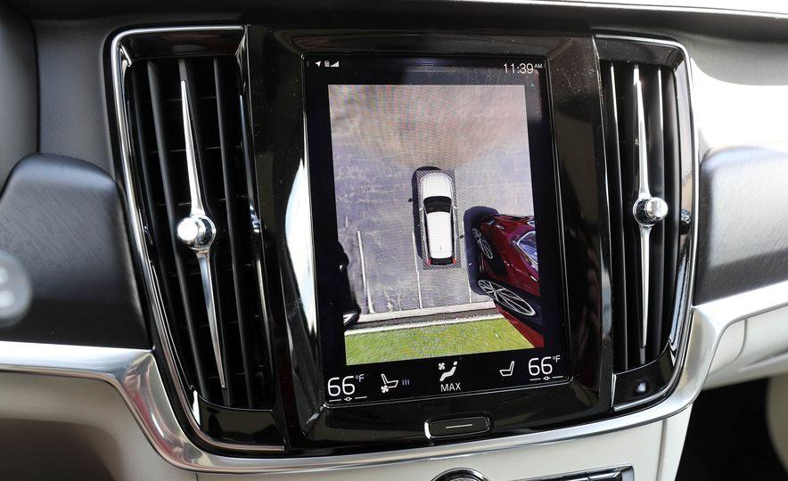 2018 Volvo V90 Cross Country - Slide 44
