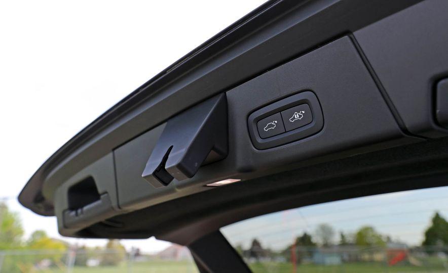 2018 Volvo V90 Cross Country - Slide 77