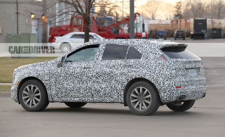 2019 Cadillac XT4 (spy photo) - Slide 12