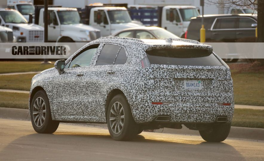 2019 Cadillac XT4 (spy photo) - Slide 14