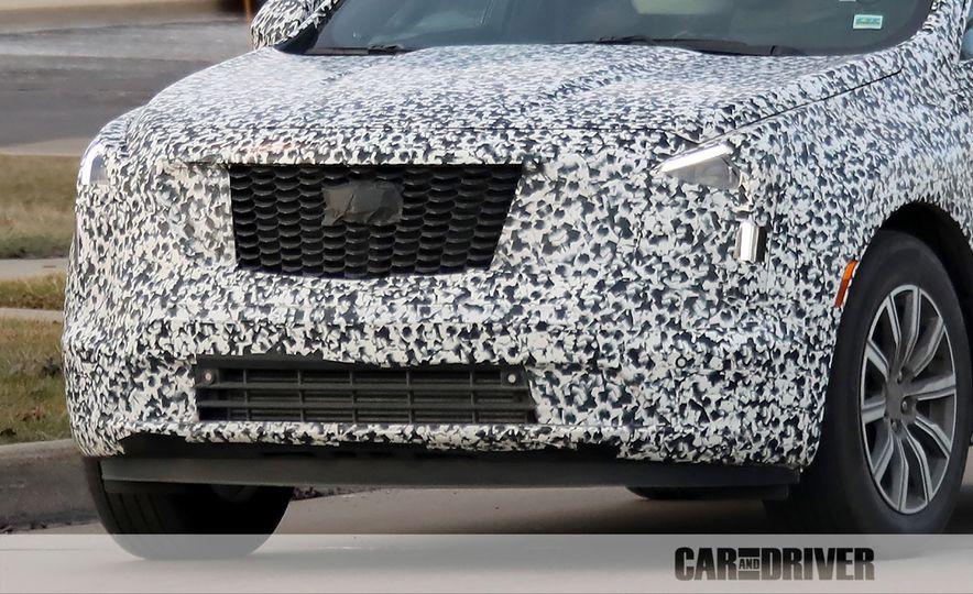 2019 Cadillac XT4 (spy photo) - Slide 34